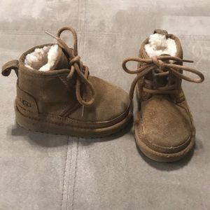 UGG brown boots for toddler boys size 6